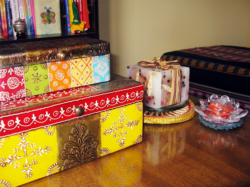 Ouroboros-Wellness-Coloured-Boxes-Candles